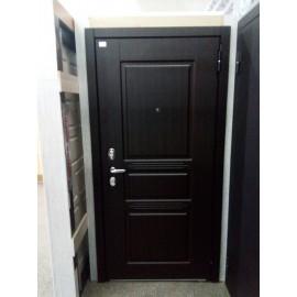 Входная дверь Сабина, Монолит